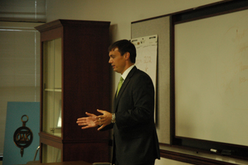 John O'Connor speaks at S.C. Scholastic Press Association Fall Conference in 2010.